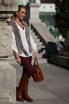 pants - Mango / blouse - Zara / vest - Gerry Weber / boots - Neosens / bag - Prada / necklace & bracelet - Cadenzza / sunglasses - Burberry