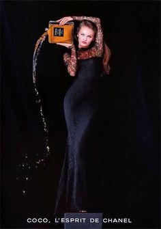 Publicité du parfum Coco de  Chanel - Vanessa Paradis 1994 -  Photo Jean Paul Goude