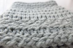King's Park Cowl knitting pattern by Littletheorem on Craftsy. A pretty collection of textured stitch patterns make up this quick-to-knit cowl.