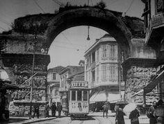 Τhe Arc of Galerius,Thessaloniki, Macedonia Greece 1930 Old Pictures, Old Photos, Vintage Photos, Macedonia Greece, Cultural Capital, Greek History, Thessaloniki, Vintage Photography, Athens