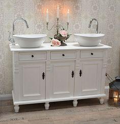 waschtisch wei mit einem spiegelschrank doppelwaschtisch. Black Bedroom Furniture Sets. Home Design Ideas