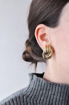 Statement Door Knocker Clip-on Earrings Ear Jewelry, Trendy Jewelry, Gemstone Jewelry, Jewelery, Jewelry Accessories, Fine Jewelry, Simple Earrings, Crystal Earrings, Clip On Earrings