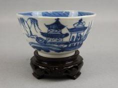 Chinese B&w Tea Cup