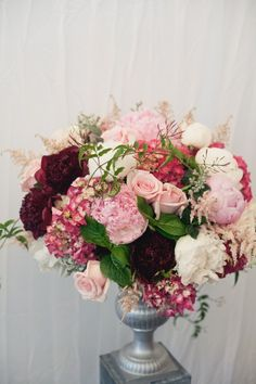 Arrangement in shades of pink