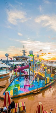 Explore the Magnificent World through Luxury Cruise – Travel By Cruise Ship Enchantment Of The Seas, Grandeur Of The Seas, Cruise Travel, Cruise Vacation, Dream Vacations, Caribbean Cruise Line, Royal Caribbean Ships, Crucero Royal Caribbean, Singles Cruise