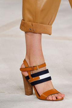 Zapato tacón Tricolor ( marino, blanco y marrón)