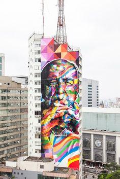 Mural tribute to Oscar Niemeyer in São Paulo, Brazil. Mural by Eduardo Kobra, photo by Alan Teixeira.