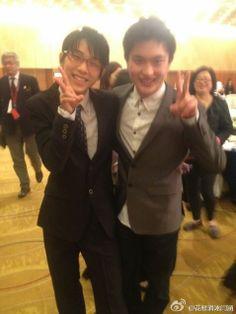 Yuzuru Hanyu and Yan Han from Yan Han's official weibo.
