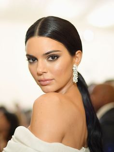 He Met Gala 2018 , Red Carpet , Met Gala Red Carpet , Met Gala best dressed , Celebrity Style , style stars , Metropolitan Museum of Art's Costume Institute gala , Metropolitan Museum of Art's Costume Institute gala, Met Gala beauty , celeb beauty , Kendall jenner , Kardashian sisters , Kardashian beauty , soft makeup , slick ponytail hairstyle , smokey eye , glossy lip , statement earrings , bold lashes