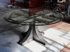 Vintage Industrial Liberty Dining Table por VintageIndustrial