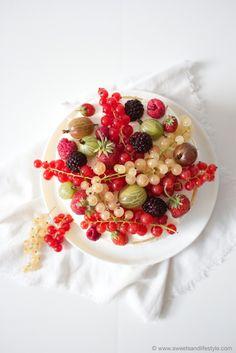 Naked Cake mit Beeren von Sweets and Lifestlye