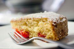La Cucinetta: Um bolo de cerejas fluorescentes
