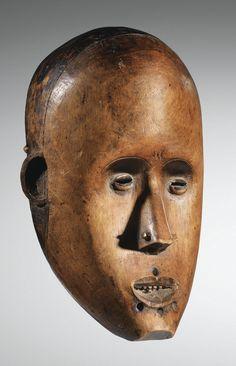 Fang mask, Gabon or Cameroon, 21 cm  via Sotheby's (pf1308 lot6vhcxen)