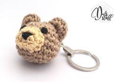 Un favorito personal de mi tienda de Etsy https://www.etsy.com/mx/listing/569793928/llavero-de-oso-de-crochet-oso-de-crochet