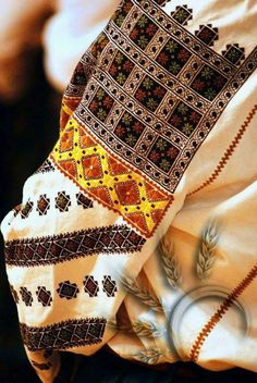 Вишиванка Ольги Капко Medieval Embroidery, Hardanger Embroidery, Folk Embroidery, Embroidery Fashion, Cross Stitch Embroidery, Embroidery Patterns, Ukrainian Art, Folk Fashion, Embroidered Clothes