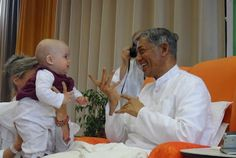 Watch kids spending special time with Pujya Deepakbhai during his Germany Tour in 2012. To see the pictures, visit: http://kids.dadabhagwan.org/gallery/photos/photo-gallery/category/germany+2012/