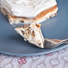 Pumpkin Lust Cake - alteration to this recipe > make own whipped cream instead of using cool whip > use canned pumpkin with one package of vanilla pudding add spice reduce milk and sugar instead of using pumpkin pudding mix.