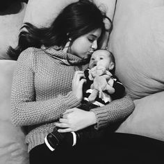 Kalani) Hanging out with this little cutie today. Love some Kalani and Jet time while mom is out Standing Ab Exercises, Standing Abs, Maddie Zeigler, Big Drama, Dance Mums, Brooke Hyland, Kendall Vertes, Dance Moms Girls, Drama Free