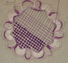 romanian point lace tutorial – Page 2 – Sunshine's Creations Needle Tatting, Tatting Lace, Needle Lace, Bobbin Lace, Hardanger Embroidery, Lace Embroidery, Embroidery Stitches, Lace Patterns, Craft Patterns