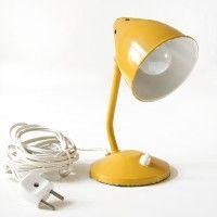 lovingthatvintage.nl by Anita: Lovely yellow lamp!  Dit super mooie okergele industriële bureaulampje(22cm) €30,-