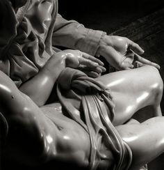 Michelangelo Buonarroti - Pietà, Photo by Aurelio Amendola Miguel Angel, Basilica San Pedro, Michelangelo Pieta, Art Ninja, La Pieta, The Last Judgment, Italian Sculptors, High Renaissance, Lamentations