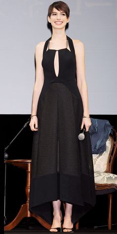 Look of the Day - November 29, 2012 - Anne Hathaway in Antonio Berardi from #InStyle