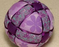Kimekomi Ball My Purple Antique Ball by DottiesTemaris on Etsy Quilted Christmas Ornaments, Fabric Ornaments, Christmas Sewing, Christmas Baubles, Christmas Deco, Christmas Crafts, Christmas Trees, Beaded Ornament Covers, Beaded Ornaments