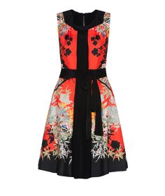 Discover the latest women's dresses from the new Cue collection. Shop our range of black dresses, evening dresses, floral dresses, casual dresses and… Casual Dresses, Dresses For Work, Evening Dresses, Summer Dresses, Buy Dresses Online, Dress Me Up, Fashion Prints, Runway Fashion, Oriental