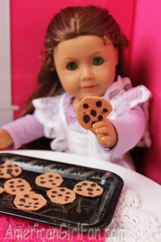 Faux doll food - chocolate chip cookies