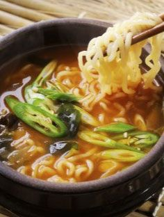 Do you love instant noodle snacks? These fast ramen recipes outshine ALL! - Do you love instant noodle snacks? These fast ramen recipes they ALL put in … - Crock Pot Recipes, Easy Soup Recipes, Sausage Recipes, Egg Recipes, Easy Dinner Recipes, Asian Recipes, Vegetarian Recipes, Easy Meals, Easy Snacks