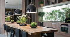 cabbagerose :: architectural inspiration — via: casatreschic Beautiful Kitchen Designs, Beautiful Kitchens, Beautiful Interiors, Indoor Outdoor Kitchen, Outdoor Decor, A Table, Dining Table, Timber Table, Dinner Room