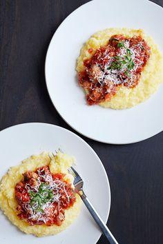 Cornmeal Recipes, Polenta Recipes, Kebab Recipes, Pork Recipes, Pasta Recipes, Yummy Recipes, Pasta Sauces, Cheesy Recipes, Sausage Recipes