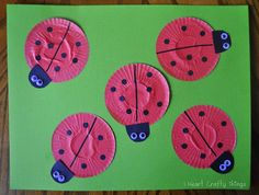These lovely little ladybug crafts are sure to entertain even the tiniest tots! Ladybug Cupcake Liner Crafts are simple spring crafts for kids that you can whip up in no time at all. These easy paper crafts are perfect for toddlers and preschoolers t Animal Crafts For Kids, Toddler Crafts, Art For Kids, Preschool Crafts, Kids Crafts, Arts And Crafts, Cupcake Liner Crafts, Cupcake Liners, Cupcake Holders
