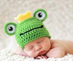 """Mützen - Photo Props Babymütze """"Frosch Koenig """" - ein Designerstück von Sawina bei DaWanda"""