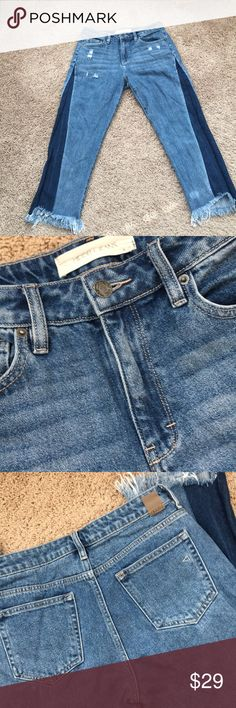 Super cute Hidden cropped cut off jeans 😍 Enjoyed it few times( so many compliments on it😍). Only letting go because my mid section's increasingly outwards 😭😭.  High rise( cuter in our friends with tiny waist😍) Again, so so cute!!! Enjoy☺️💖 Hidden Jean Jeans Ankle & Cropped
