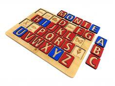 Náučné drevené puzzle s písmenami abecedy inšpirované Montessori pedagogikou pre malé deti, rozvíjajú kreativitu a jazykové zručnosti. Abeceda je navrhnutá v základných 2 farbách, spoluhlásky – červené a samohlásky – modré. Montessori, Coasters, Puzzle, Diy, Puzzles, Bricolage, Drink Coasters, Handyman Projects, Do It Yourself