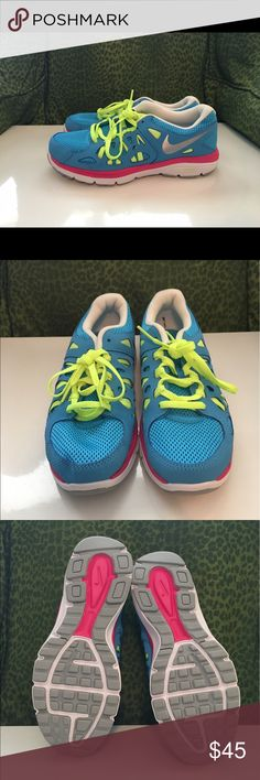 ✨NWOT✨ Nike Tennis Shoes Perfect condition! Never worn! From a smoke-free home :) Nike Shoes Sneakers