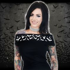 Calling all graveyard babes our Moon Bats off the shoulder top is just what you need 🌛🦇🌜 Stock running low on some sizes, get yours soon!