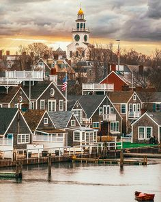 Name this seaside Town! Name your favorite thing to do in this seaside town. Nantucket Cottage, Nantucket Island, Nantucket Beach, Nantucket Style, Coastal Style, Coastal Living, Oh The Places You'll Go, Places To Travel, Places To Visit