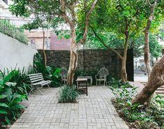 Área externa do Guest Urban Hotel no bairro de Pinheiros, em São Paulo.