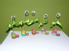 polymer clay, office desk ornament, cupcake, fimo, donut, sujeta papel