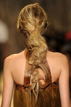 Michael Kors: Loose Knotted Pony (Back)  #summerhair