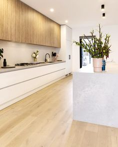 The Norsu kitchen reno achieves chic on a budget Modern Kitchen Design Achieves Budget Chic Kitchen Norsu Reno Kitchen Room Design, Home Decor Kitchen, Interior Design Kitchen, Home Kitchens, Kitchen Ideas, Modern Kitchens, Rustic Kitchen, Diy Kitchen, Awesome Kitchen