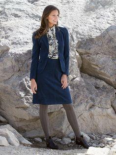 #Tiefblaues #Cord #Kostüm und #Bluse mit #Flower #Print by Brigitte von Boch #bevonboch