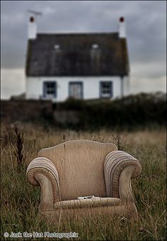 I can feel the air in this picture. I wonder if the chair is damp. if not, I want to sit a spell.
