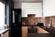 Mieszkanie dla młodych - Mała otwarta wąska kuchnia w kształcie litery g w aneksie, styl nowoczesny - zdjęcie od Za murami za dachami