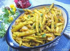 Fasolka po grecku Carrots, Food And Drink, Chili, Chicken, Vegetables, Deli Food, Salads, Chile, Carrot