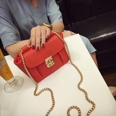 $21.90 (Buy here: https://alitems.com/g/1e8d114494ebda23ff8b16525dc3e8/?i=5&ulp=https%3A%2F%2Fwww.aliexpress.com%2Fitem%2F2016-lockbutton-chain-mini-bag-vintage-shoulder-messenger-bag-women-s-small-handbag%2F32661370579.html ) 2016  fashion new lockbutton chain mini bag vintage shoulder messenger bag women's small handbag  candy color for just $21.90