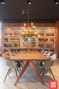 Luxe zithoek met grote spiegel | eetkamer design | dining room ...