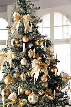 Künstlicher Weihnachtsbaum, beschneit im Universal Online Shop